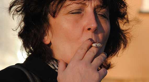 Foretrak smøger frem for medicin mod knogleskørhed